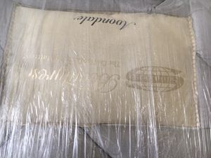 Simmons beauty rest box spring and mattress for Sale in Oxnard, CA