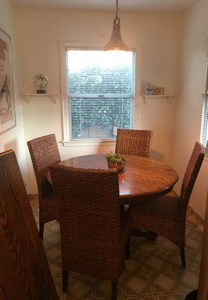 Dining table + 4 chairs for Sale in Millbrae, CA