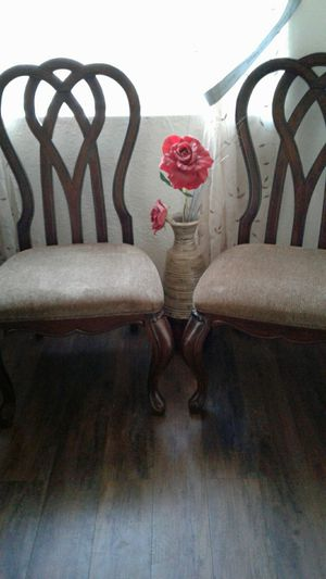 Kitchen table and chairs for Sale in Tulare, CA