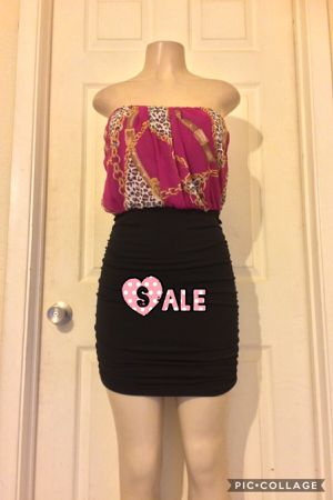 *Magenta/Mixed Strapless Dress •L for Sale in Farmers Branch, TX
