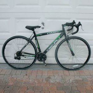 """GMC 42720 19"""" 700C ADULT DENALI ROAD BIKE BLACK/GREEN NEVER USED NEED PEDALS for Sale in Fort Lauderdale, FL"""