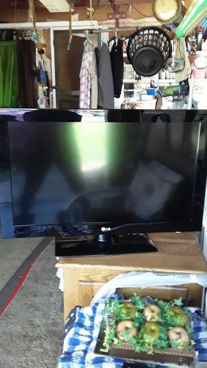 LG 27 inch TV for Sale in Stockton, CA