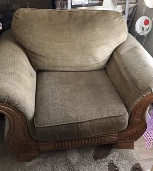 Oversized living room chair for Sale in Beckley, WV
