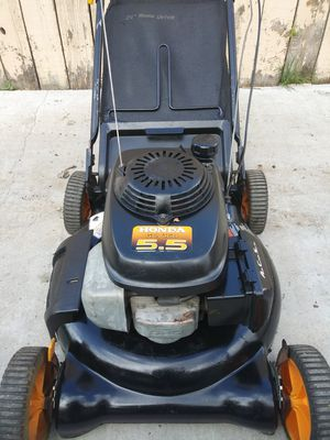 Craftsman engine honda push lawn mower works great for Sale in Colton, CA