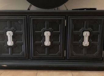 TV Stand / credenza - obo for Sale in Tampa,  FL