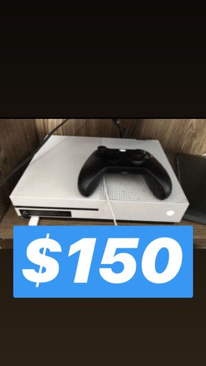 (NeedGoneASAP) Xbox One S (WITH HEADPHONES) (500GB) With Games (Gta,& more) for Sale in Philadelphia, PA