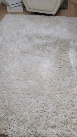 White rug for Sale in Wheaton,  IL