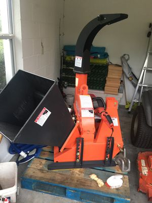 Wood Chipper (Self Feeding) FH-BX42S for Sale in Duluth, GA