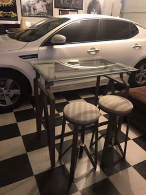 Bar table with stools for Sale in Victorville, CA
