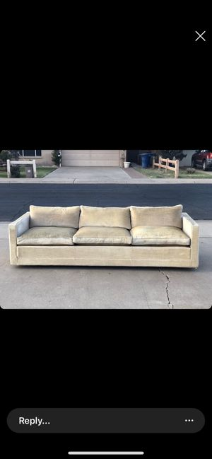 Mid century modern couch by Artifort for Sale in Tempe, AZ