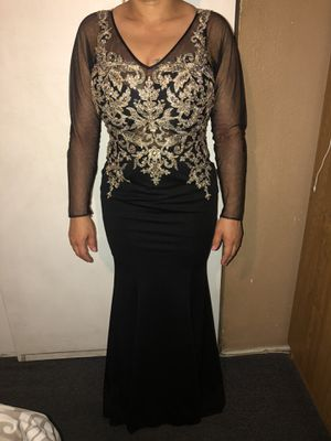 Prom dress black/ gold (serious buyers) for Sale in Long Beach, CA