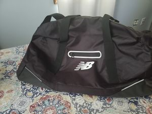 New Balance duffle bag for Sale in Indianapolis, IN