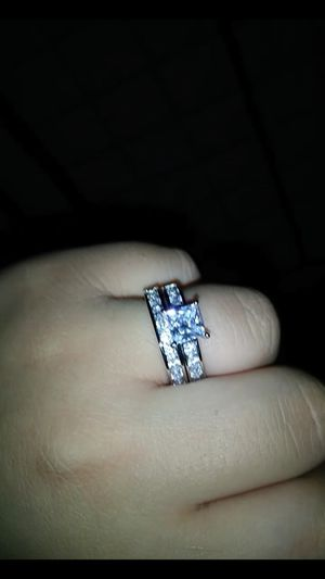 Pandora wedding and engagement ring size 8 for Sale in Phoenix, AZ