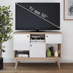 TV Stand | Entertainment Console for Sale in Brooklyn,  NY