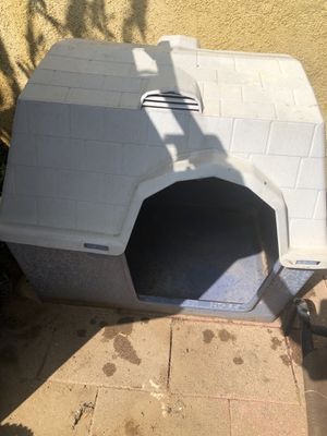 Dog House Medium for Sale in Norco, CA
