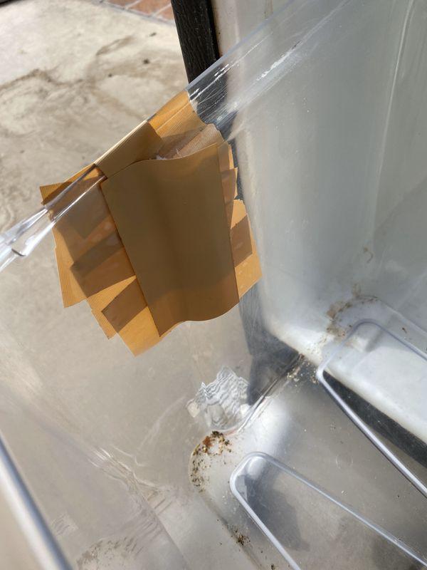 Whirlpool refrigerator 10 cubic feet