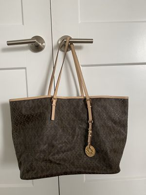 Michael Kors tote for Sale in Auburn, WA