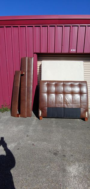 Full size bed frame and box spring for Sale in New Orleans, LA