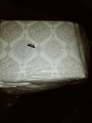 Twin bed sheet set, table cloth, dish rack, alarm clock and basket for Sale in El Mirage, CA