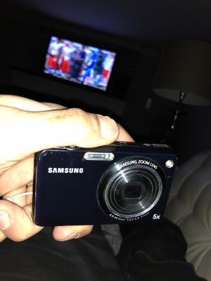 Samsung tl210 Camera good condition for Sale in Cleveland, OH