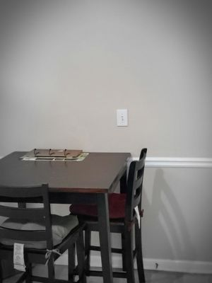 Table and chair(4) for Sale in Stockbridge, GA