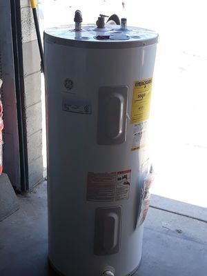 Electric 40 gal water heater for Sale in Irwindale, CA