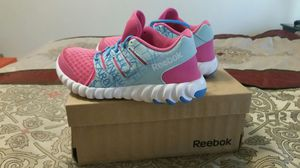 Reebok Twistform Almost Brand New Size 2 for Sale in Springfield, VA