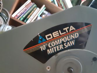 "Delta, 10 "" Compound Saw With 15 Amp Motor for Sale in BRECKNRDG HLS,  MO"