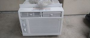 Tcl window ac good working. BTUs 5000 for Sale in Bay Lake, FL
