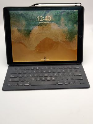 2017 iPad Pro 12.9 inch Wifi Only(with Gen 1 Pencil, Apple Smart Folio, Case) for Sale in San Diego, CA