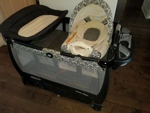 Graco Pack n Play bassonet playpen Baby bed for Sale in Burleson, TX