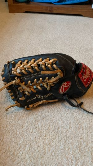 Heart of the hide baseball glove for Sale in Frisco, TX