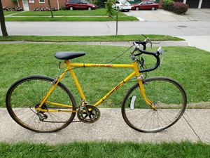 Vintage bikes for parts or fixie conversions for Sale in Shaker Heights, OH