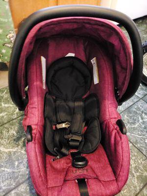 Urbini car seat stroller combo for Sale in Aberdeen, WA