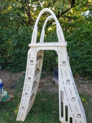 pool ladder for Sale in Raccoon Ford, VA