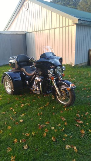 2012 Herley Davidson with a motor trike kit for Sale in Marengo, OH