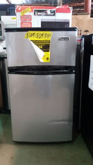 Magic Chef 3.1 cu-ft mini refrigerator in a stainless look for Sale in Phoenix, AZ