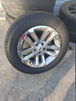 FORD EXPLORER STOCK WHEELS for Sale in Bolingbrook,  IL