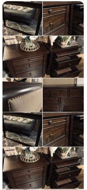 Gorgeous ASHLEY Furniture Cal King Bedroom Set / Bed & Dresser Pieces for Sale in Spring Valley, CA