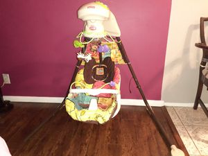 Fisher-PriceMy Little Snugabear Cuna 'N Swing Mecedor for Sale in Hawthorne, CA