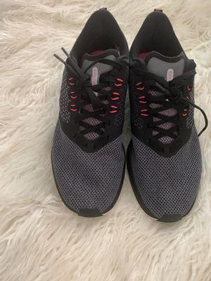 NIKE ZOOM STRIKE Women's SZ 9 Gray Athletic Running Sneakers Shoes AJ0188-005 for Sale in Hawthorne, CA