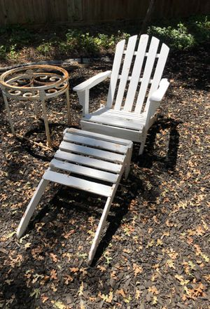 Wooden Lounge chair for Sale in Modesto, CA