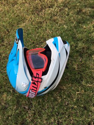 Dirt bike quad helmet XS with goggles for Sale in Chandler, AZ
