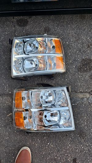 Free Delivery New Chevy Silverado 2007 to 2013 Headlights for Sale in Fresno, CA