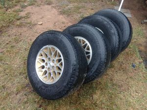 265/70/15 wheels and tires jeep for Sale in Nashville, TN