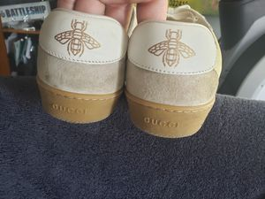 Authentic Womens Gucci sneakers for Sale in Chicago, IL