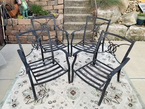 Pick up today set of 4 lightweight aluminum XL size patio chairs for Sale in Monroeville, PA