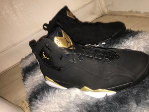 Jordan True Flights Black/Gold for Sale in Los Angeles, CA