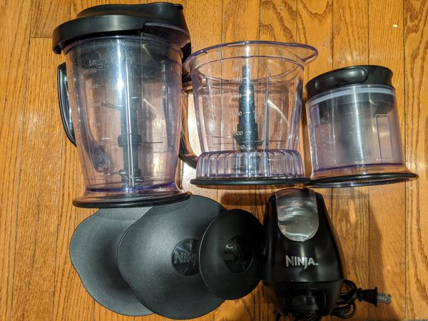 Ninja blender with three cannisters