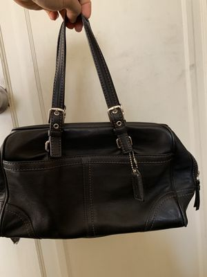 COACH PURSE 👜 leather original for Sale in Los Angeles, CA
